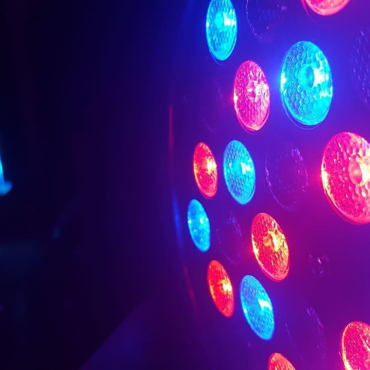 Prodotti: faro LED RGB reventservice