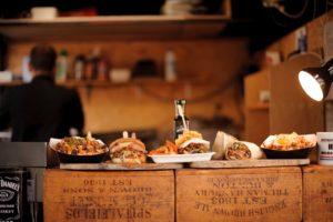 Organizzare alcolici e cibo